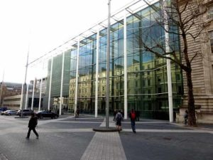 Imperial College London students ask college for library air conditioning